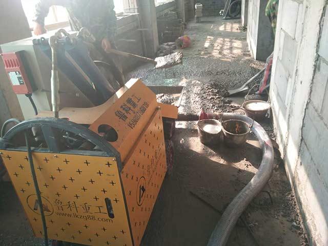 小型混凝土输送泵施工